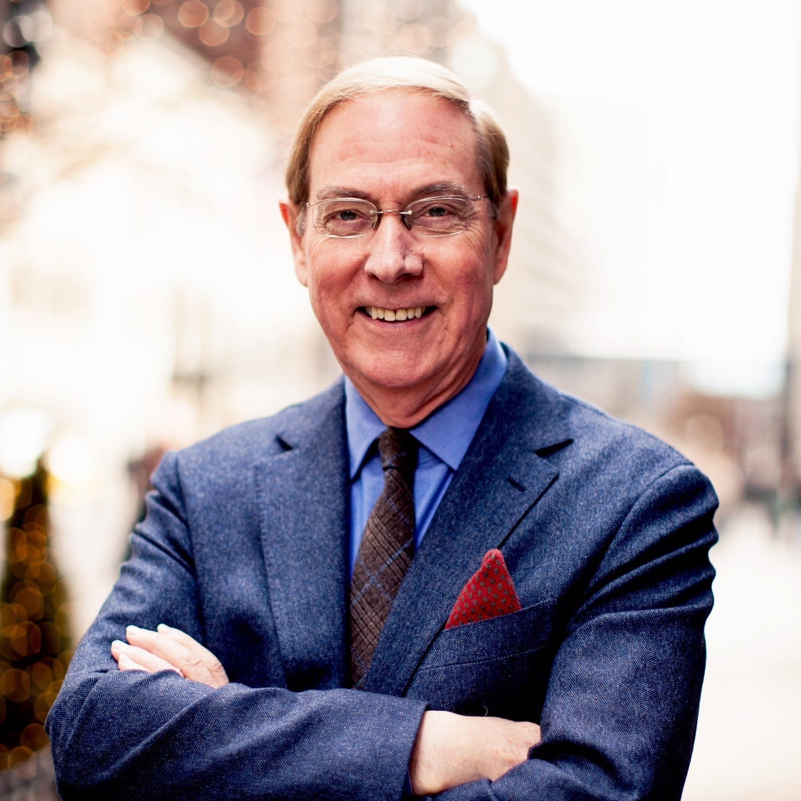 GARY CHAPMAN: BUILDING RELATIONSHIPS
